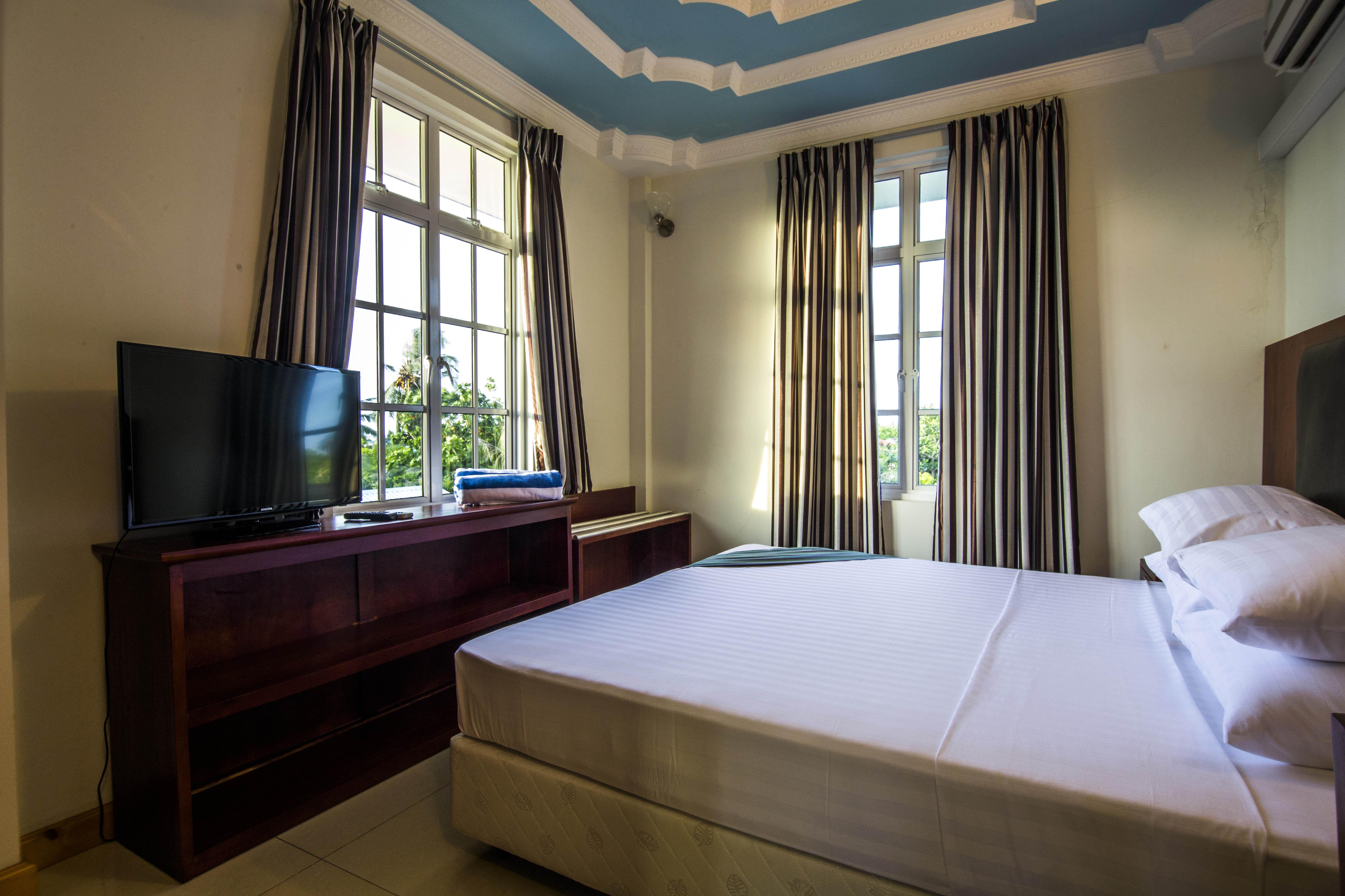 Lacabana Maldives Standard Double Room (4)