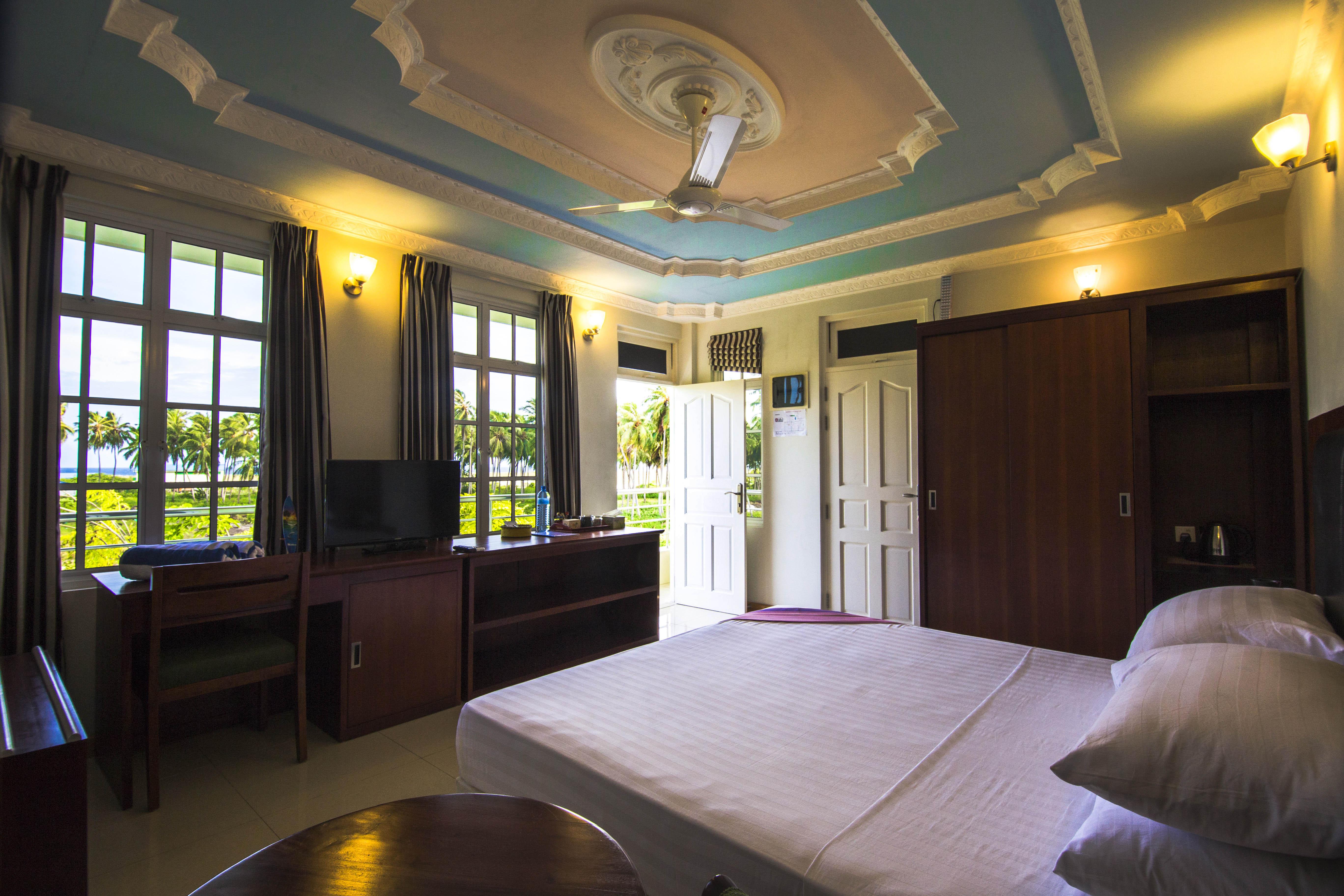 Lacabana Maldives Superior Deluxe Room (4)