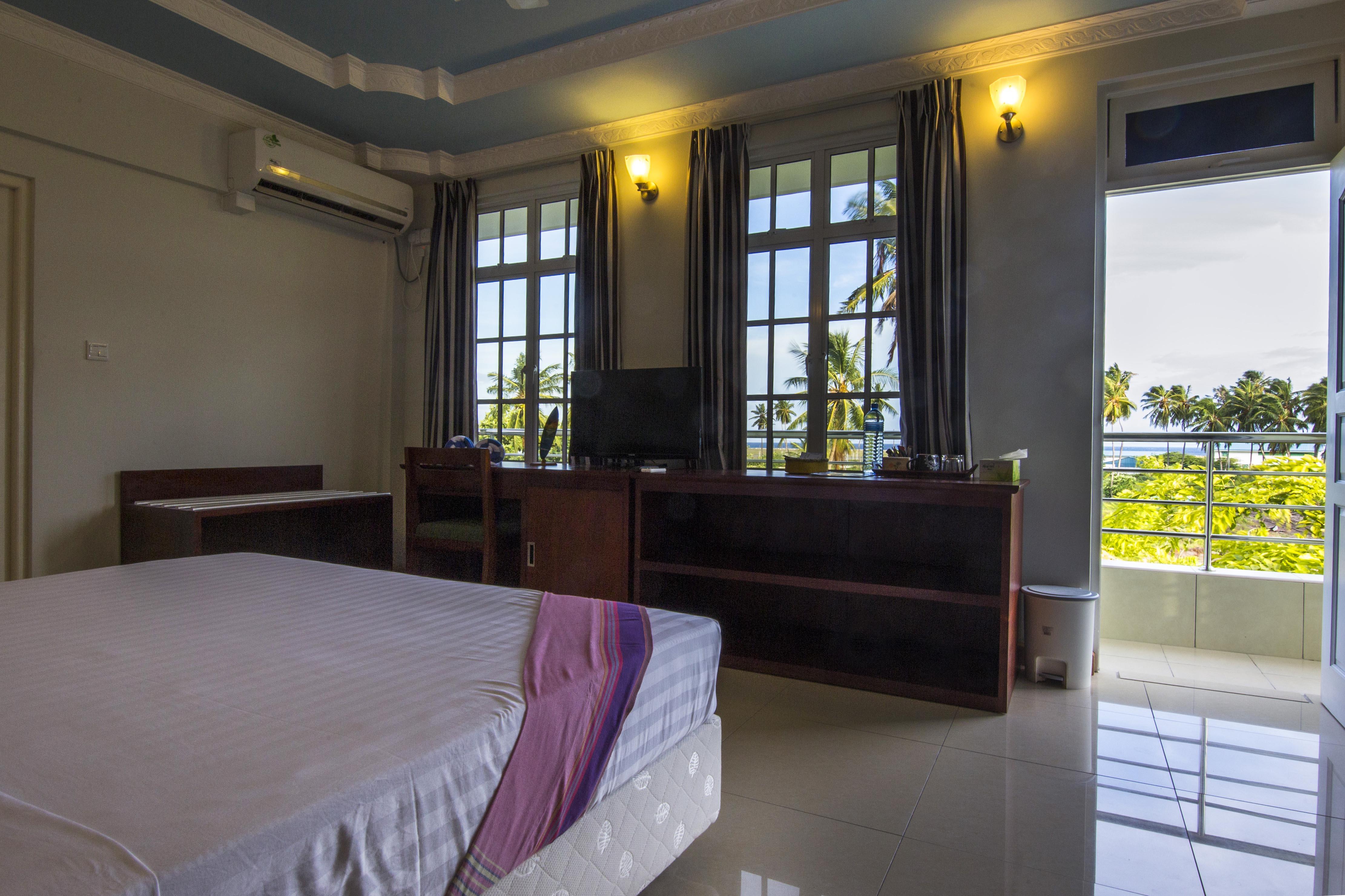 Lacabana Maldives Superior Deluxe Room (3)