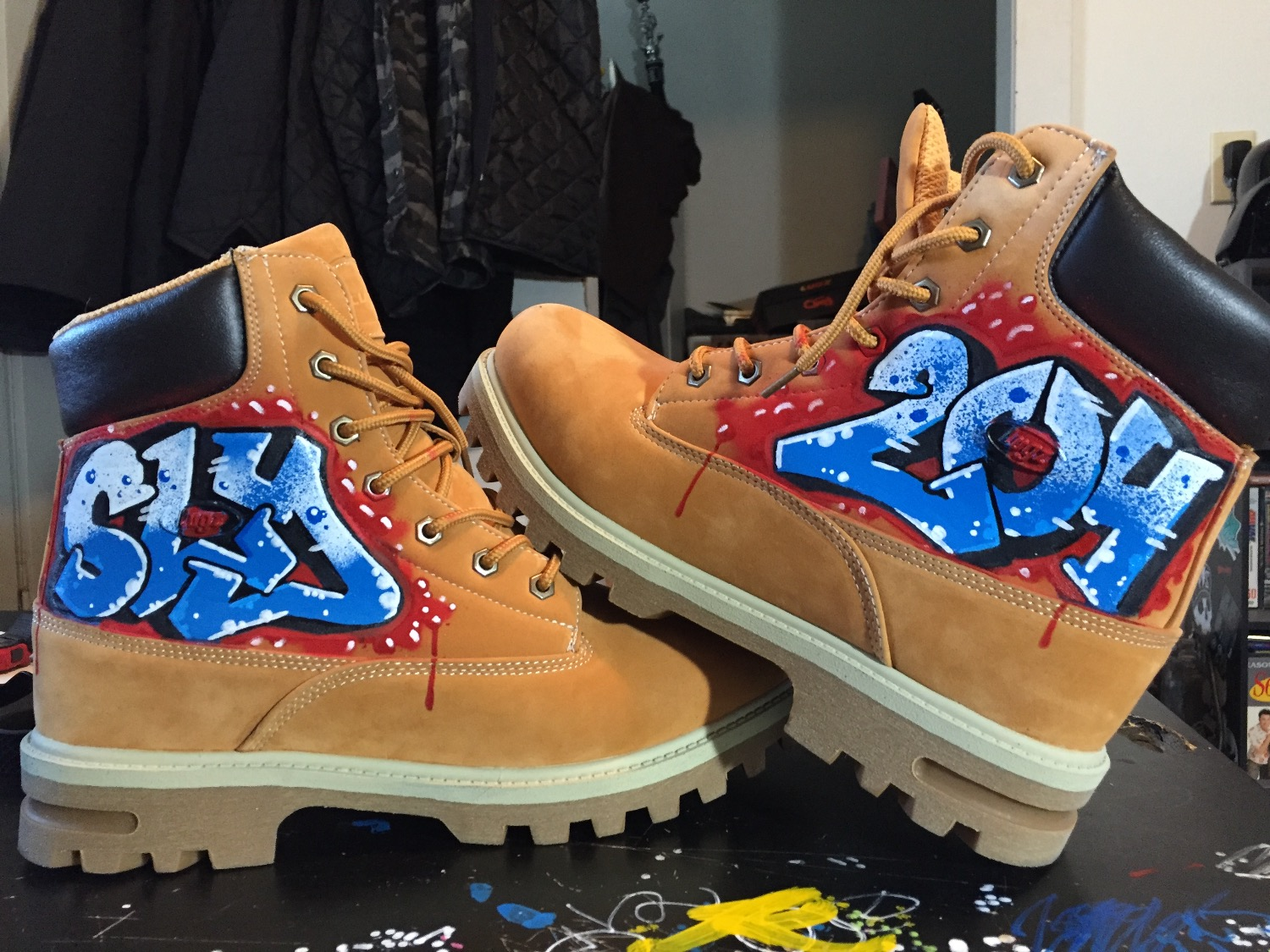 SLY 204 on Lugz