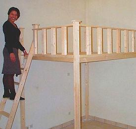Mezzanine et lits mezzanines et Mezzanine sur mesure :Augmentez vos surfaces,Un étage en plus!  ou en kit Décoration poutres apparentes Différentes longueur profondeurs  Escalier interchangeable à votre convenance Plusieurs hauteurs sous plancher Mezzanine en bois sur mesure Vous souhaitez réaliser une mezzanine bois pour créer et aménager un espace supplémentaire ? Gagnez de la surface grâce à une mezzanine sur mesure ... #mezzanine  #Mezzanine sur mesure #lits mezzanines