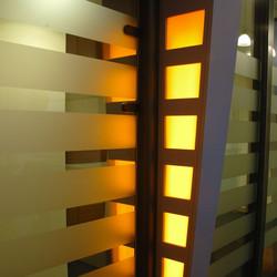 3+Rabo+Bank+Groningen,+bedrijfspand,+entree,+wegbewijzering,+lichtopject.jpg