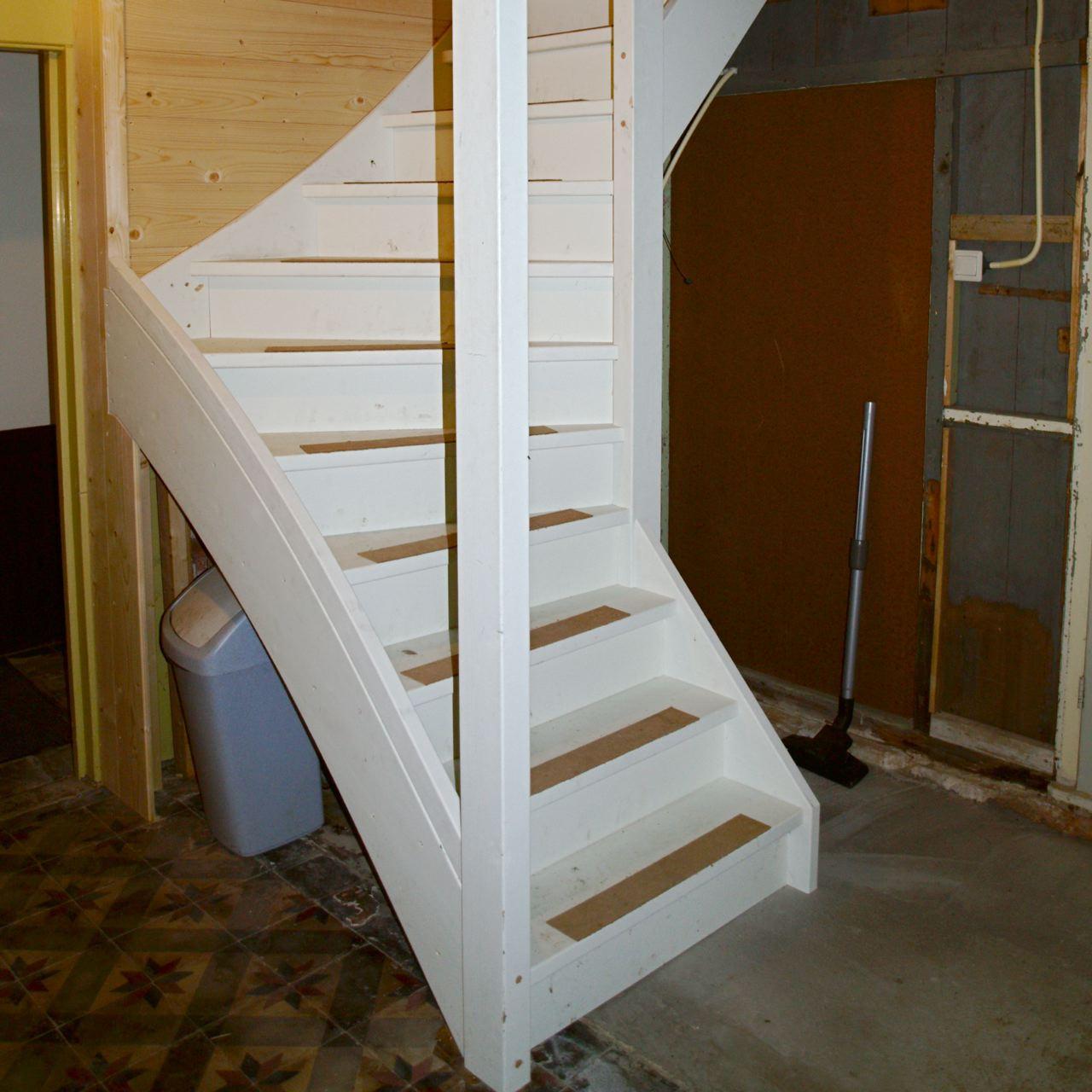woning Zeerijp, nieuwe trap.jpg