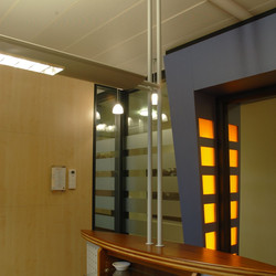 2+Rabo+Bank+Groningen,+bedrijfspand,+lichtopject,+wegbewijzering.jpg