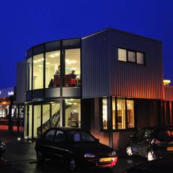 garage+Lantinga+Toyota,+avond.jpg