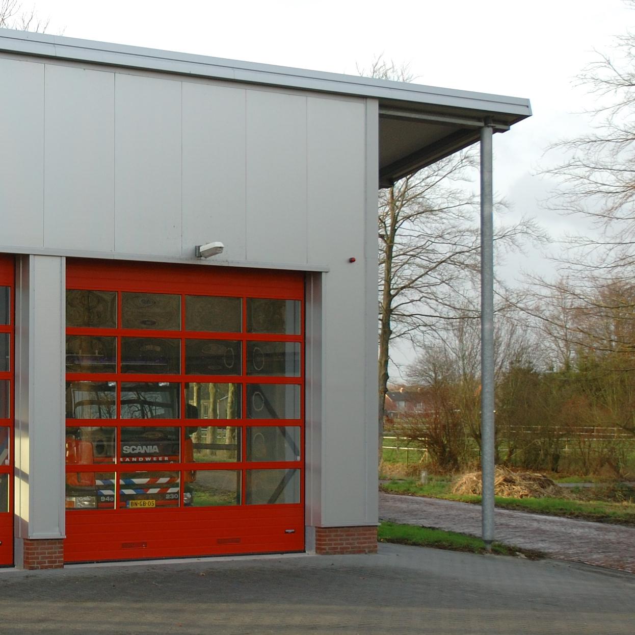 Brandweerkazerne+Wehe+de+Hoorn,+roldeur.jpg