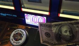 100 Dollar Slot