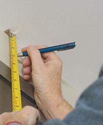 Vorhänge ausmessen und montieren