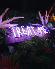 Tr/Eat Me Neon Bar Sign