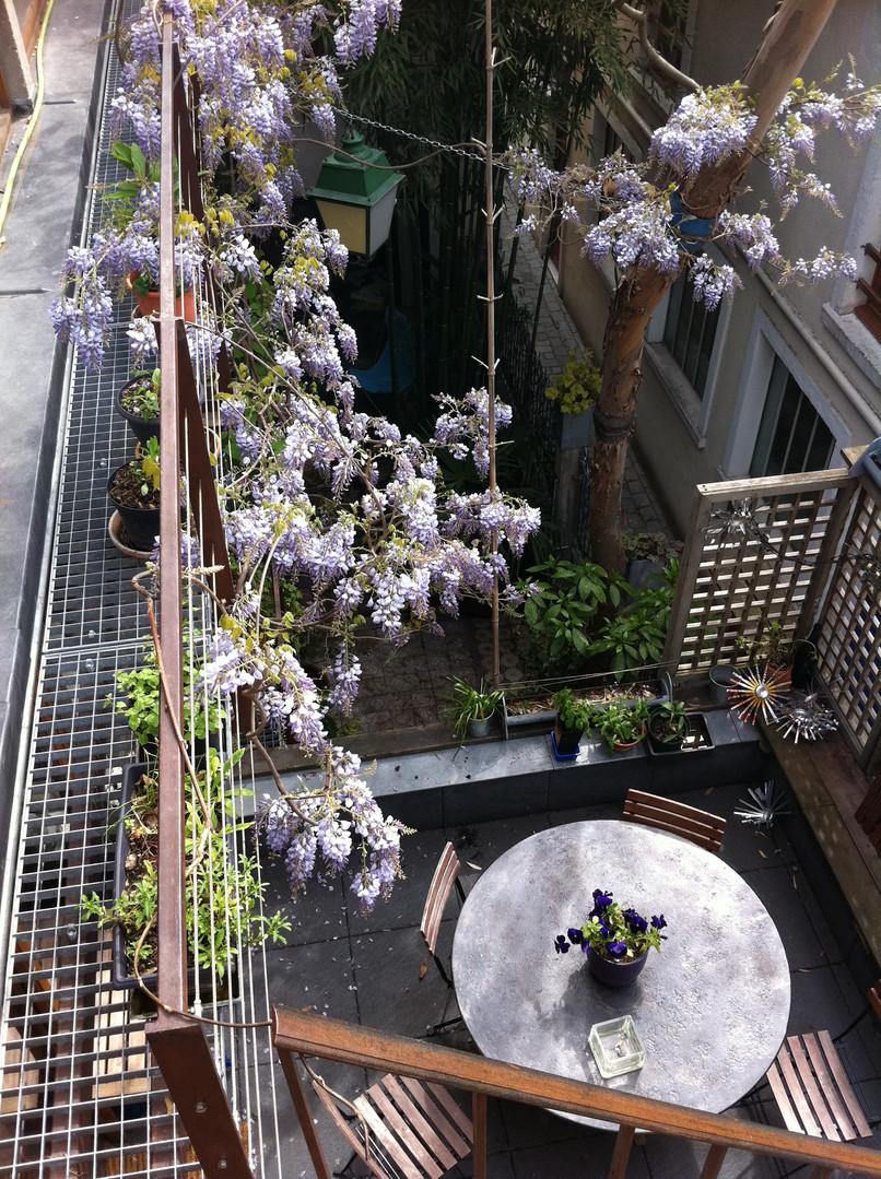 Succession de terrasses et de balcons à