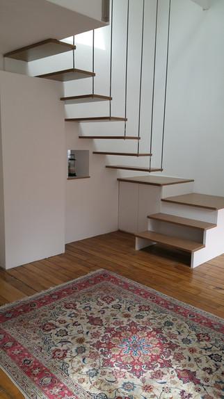 Escalier suspendu sur mesure