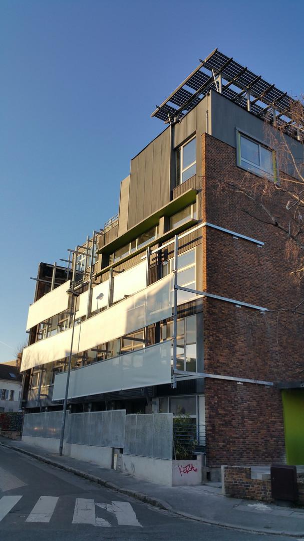 immeuble de bureau terrasse aménagée