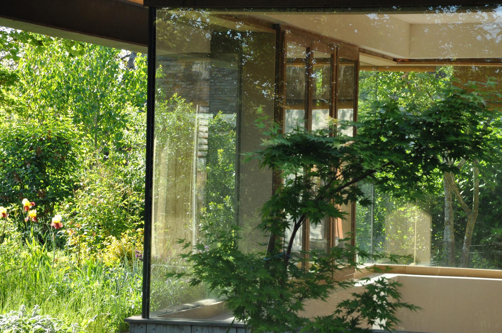 Grandes baies vitrées sans coin
