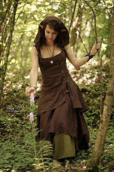 autre photo d'argothe couture, dans une tenue de lutine, prise par Shey D photographie