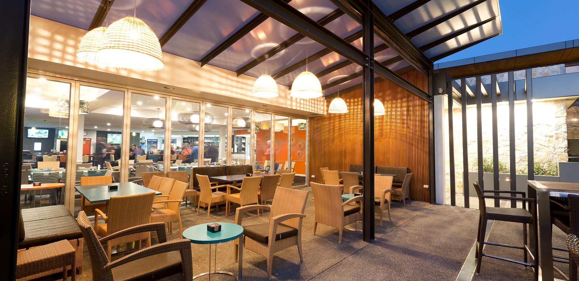 Hallidays Tavern_Foyer