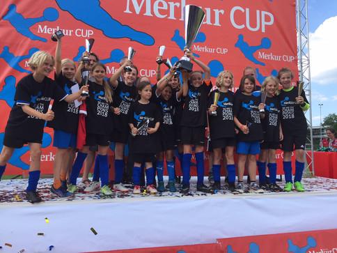 Wacker holt den Merkur Cup wieder zurück