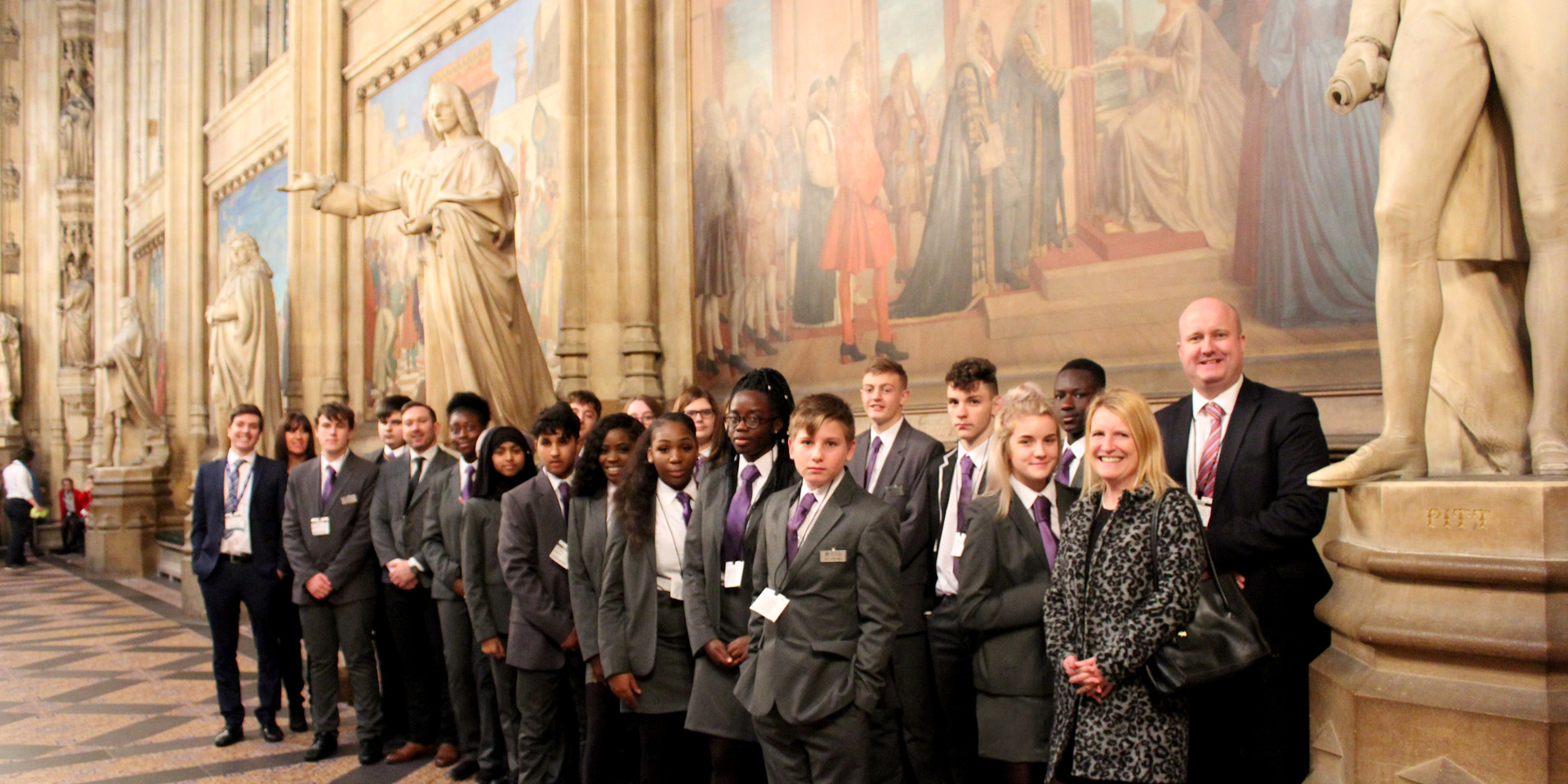 group in houses of parliment hall _GRADE