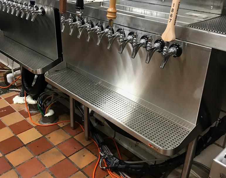 Zehnders Frankenmuth Beer Taps.jpg