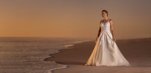 Lovely Bride on the beach close to Blouberg Strand, Cape Town