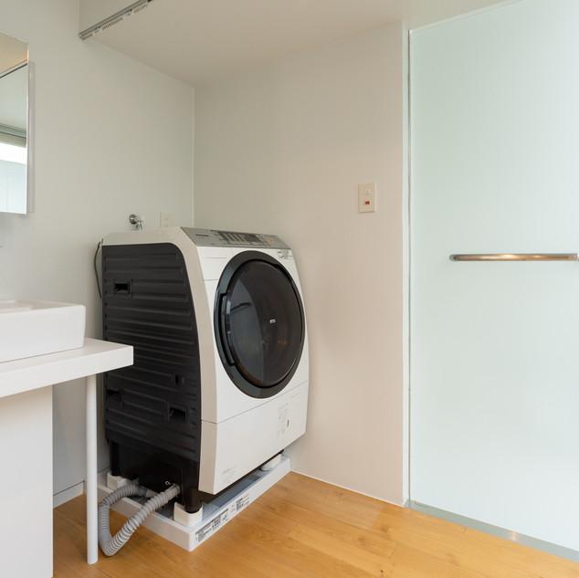 洗濯乾燥機・洗面台