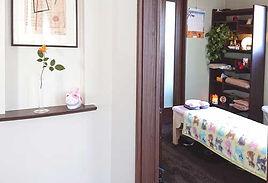 仙台の女性専門整体ひろこの整体療術院玄関から