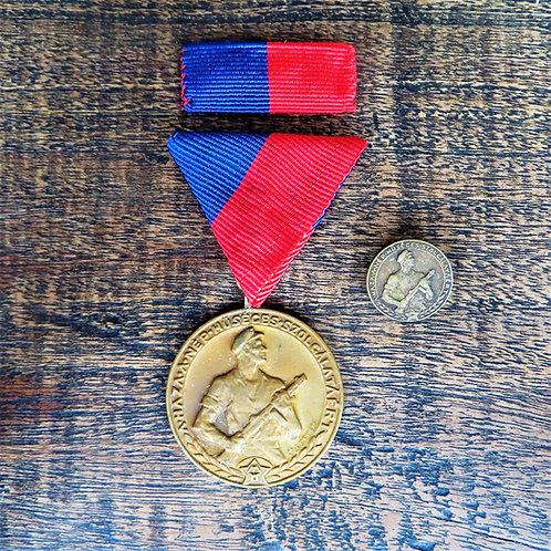 Medal Hungary And Pin Workers Guardian