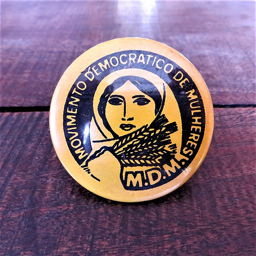 Pin Portugal Democratic Woman's Movement