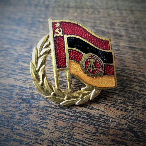 "Pin DDR German Soviet Friendship ""Gold"" Edition"