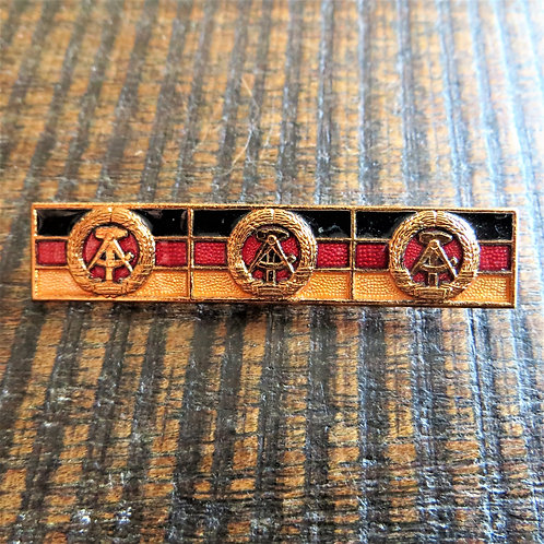 Pin DDR Coat Of Arms