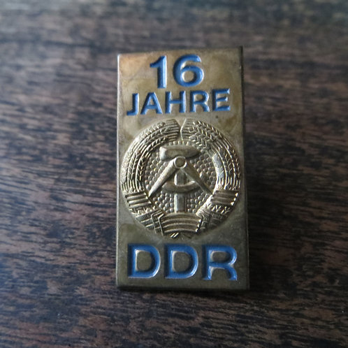 Pin DDR 16 Years Of DDR 1965