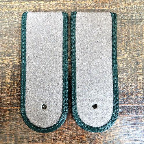 Various DDR Uniform Epaulet