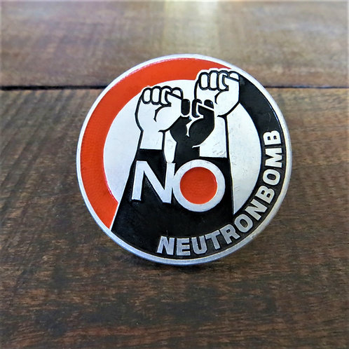 Pin Netherlands No Neutronbomb Button