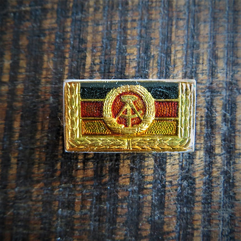 Pin DDR Coat Of Arms DDR