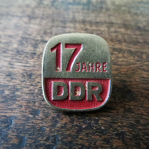 Pin DDR 17 Years DDR 1966