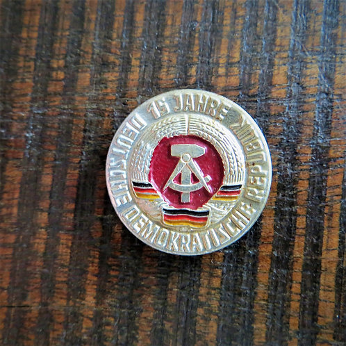 Pin DDR 15 Years Of DDR 1964