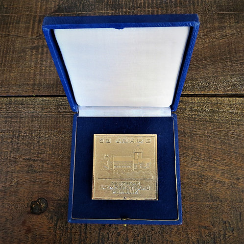 Table Medal DDR 25 Years Of DDR