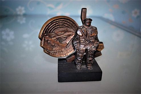 Statue Soviet Russia Bronze Sculpture Military Cold War