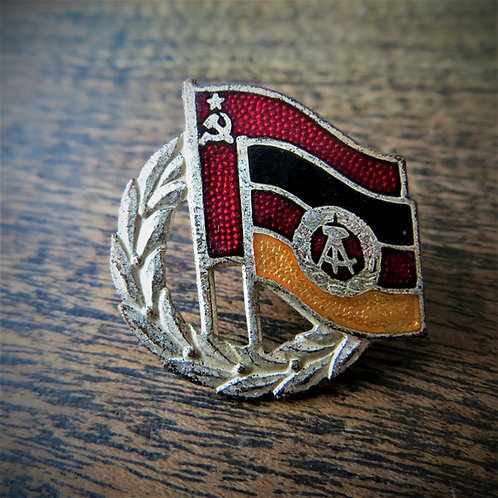 "Pin DDR German Soviet Friendship ""Silver"" Edition"