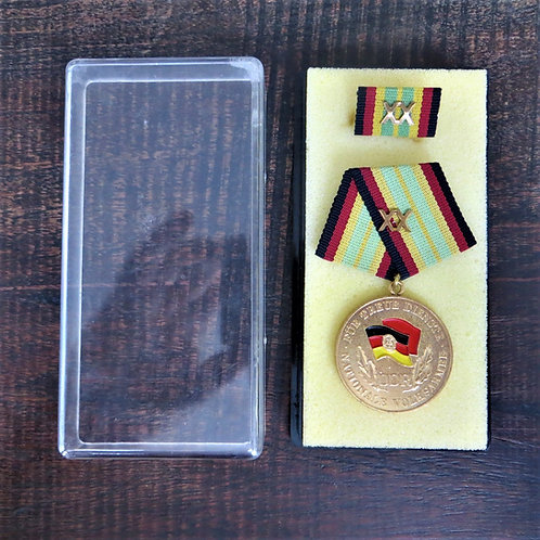 Medal DDR Gold 20 Year Of Service National People's Army