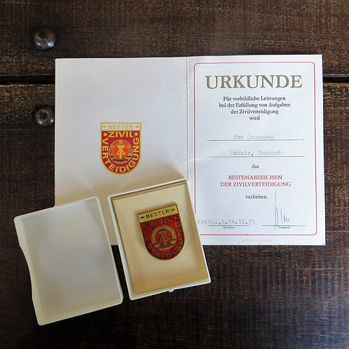 Pin DDR Civil Defense With Certificate