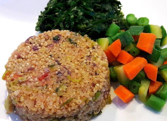 Risoto de quinoa, seleta de legumes e couve