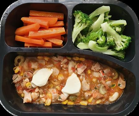 Picadinho de frango com requeijão, cenoura e brócolis