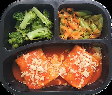 Panqueca de carne, brócolis e vagem com cenoura