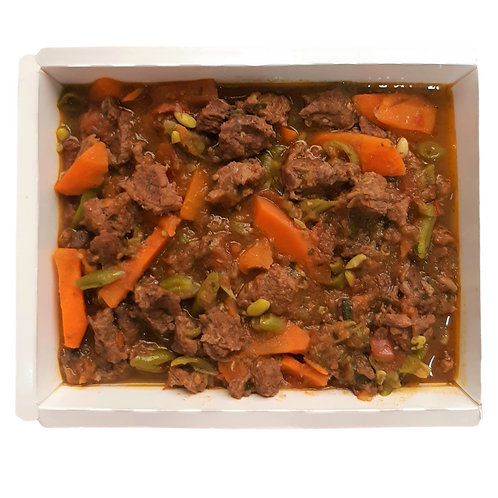 Picadinho de carne com legumes.