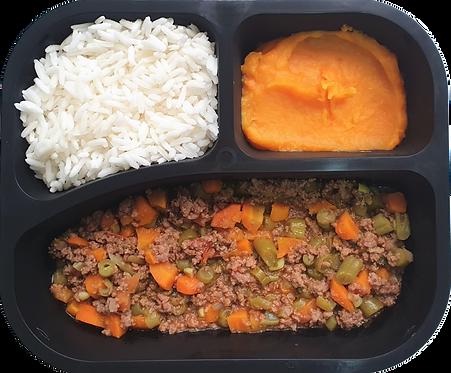 Moída à primavera, arroz branco e purê de legumes