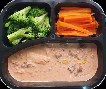 Strogonoff de filé, cenoura e brócolis
