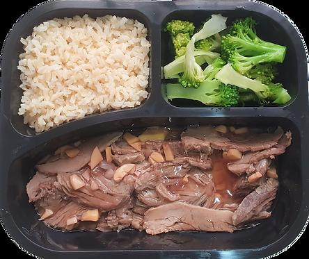 Fraldinha assada com molho madeira, arroz integral e brócolis