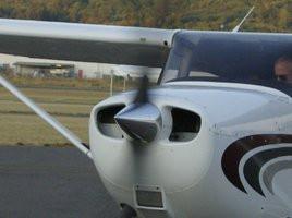 Cessna_172SP_Skyhawk_by_Jandreau.jpg