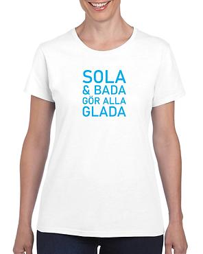 Sola_Och_Bada_Gor_Alla_Glada_Tee.png