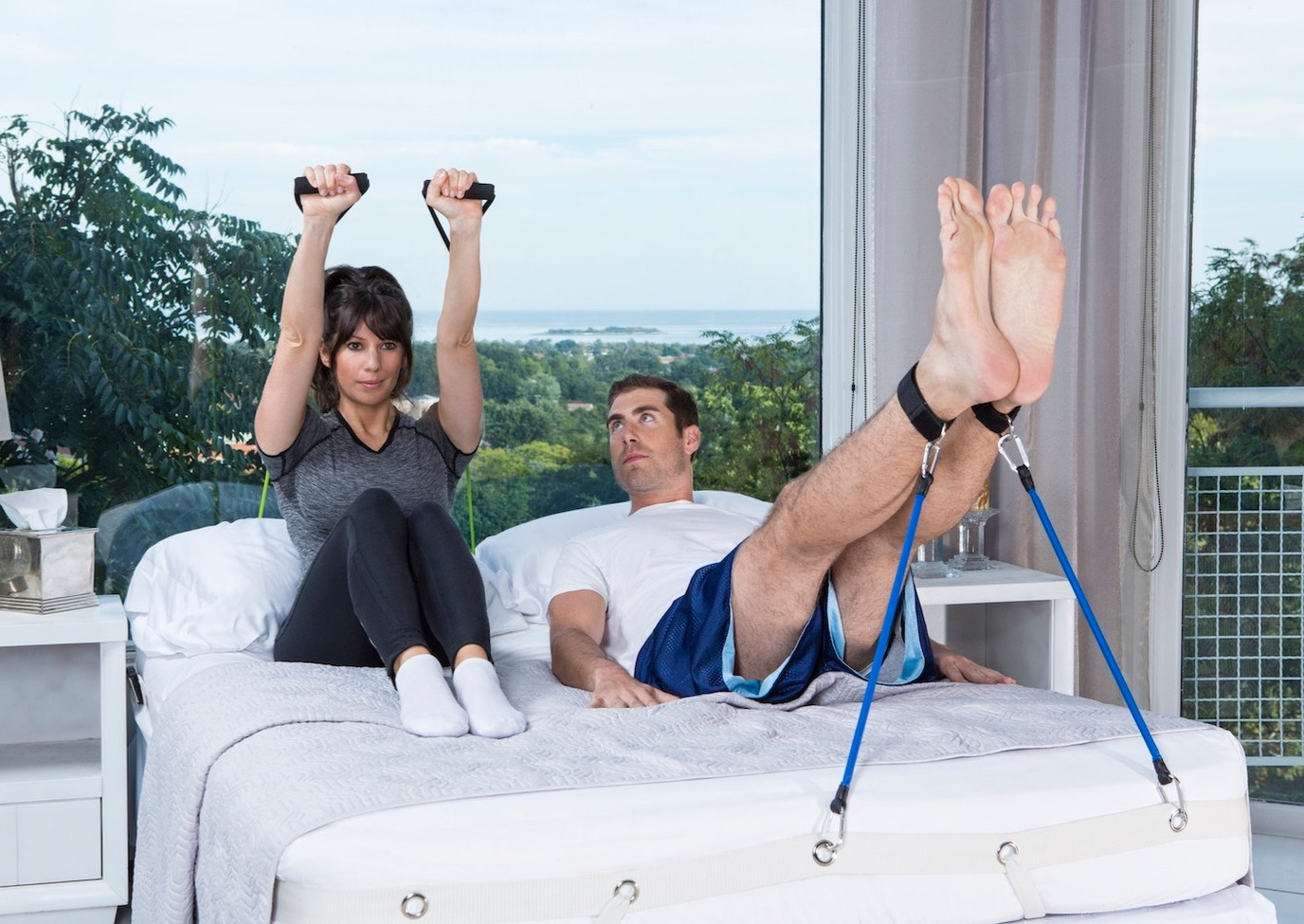 BedGym-exercise-in-bed-couples-workout_e